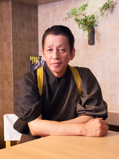平野 寿将 氏