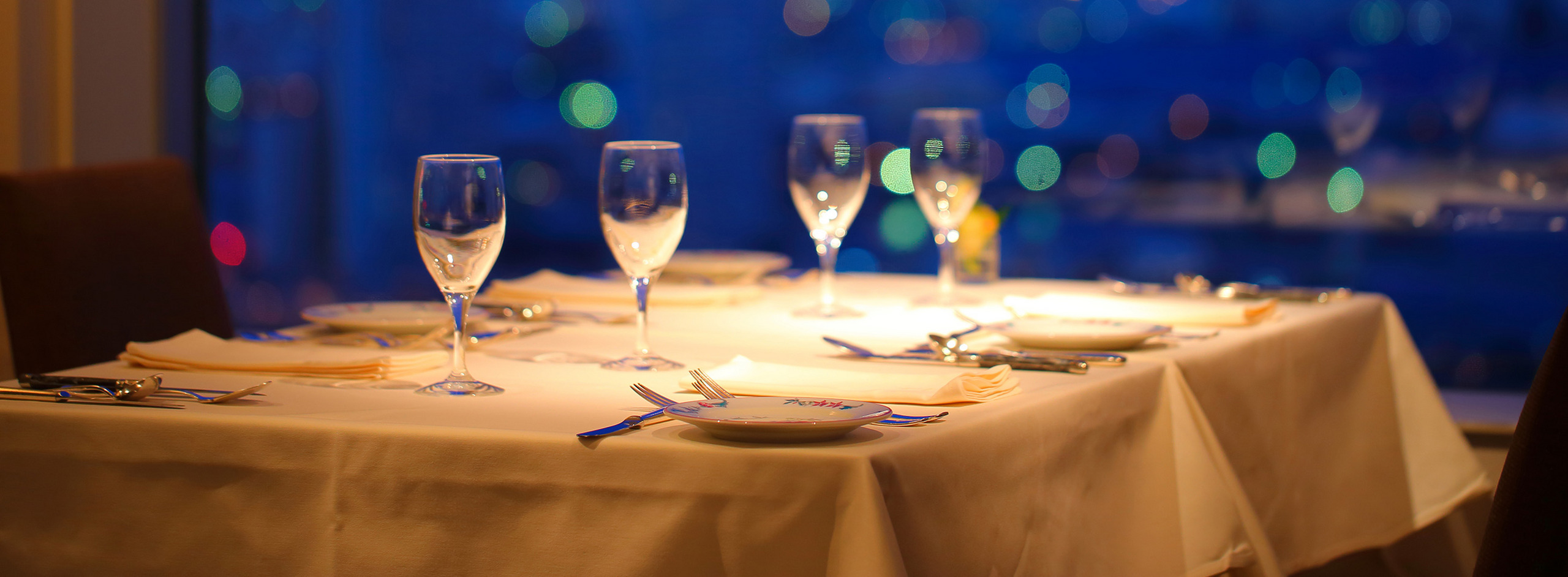 プロ料理人が選ぶ、デートで使える夜景が綺麗なレストラン:東京
